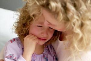 9 фраз, которые нельзя говорить ребенку