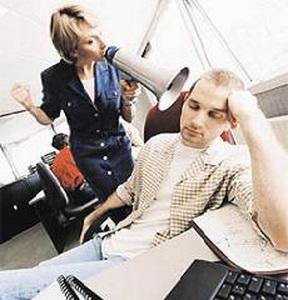 По каким причинам не увольняют никчемных работников ?
